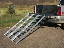 Yutrax TX103 Silver 70-inch Aluminum Tri-Fold Ramp, 1750lb Capacity