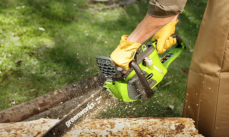Top 10 Battery Powered Chainsaw In 2019