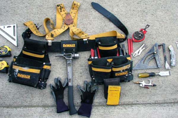 What is The Primary Purpose of The Carpenter's Tool Belt?