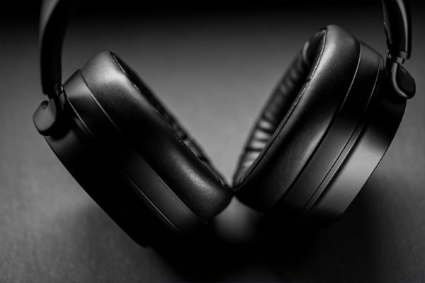 Pulse wireless headphones